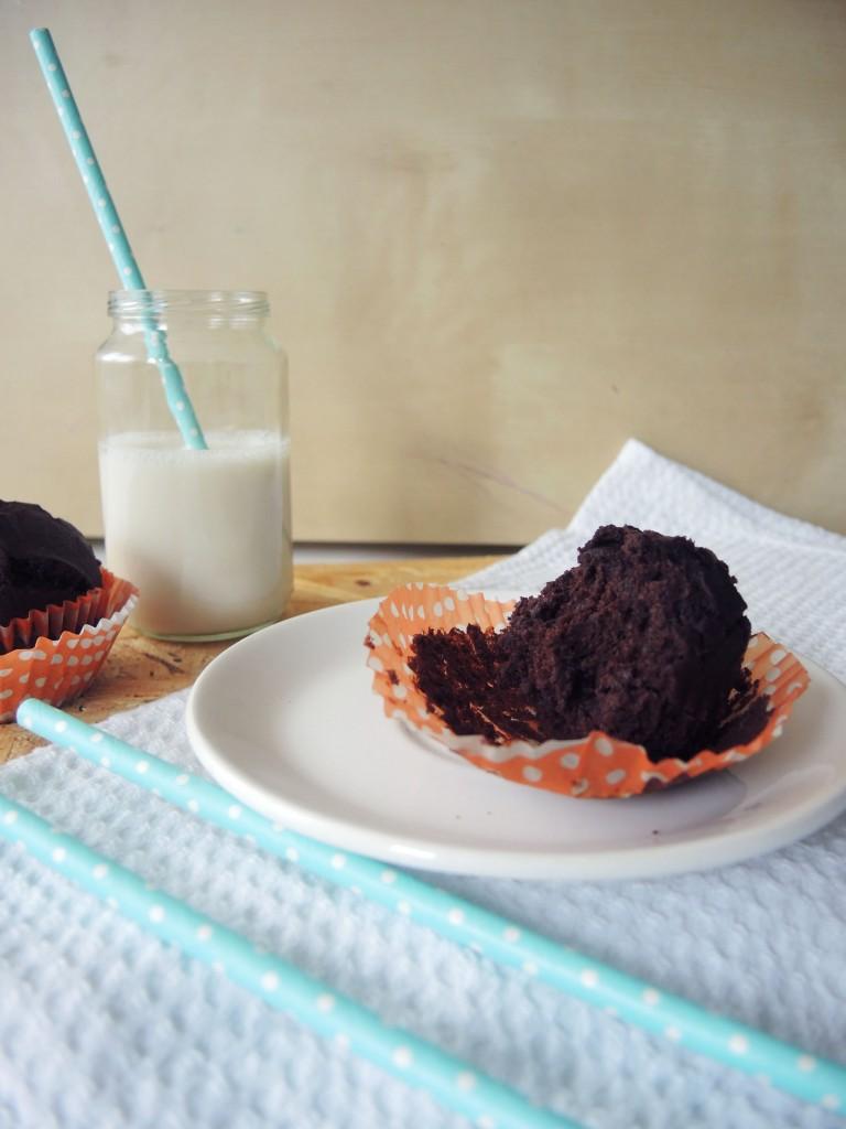 Čokoladni muffini sa lješnjacima i konopljom
