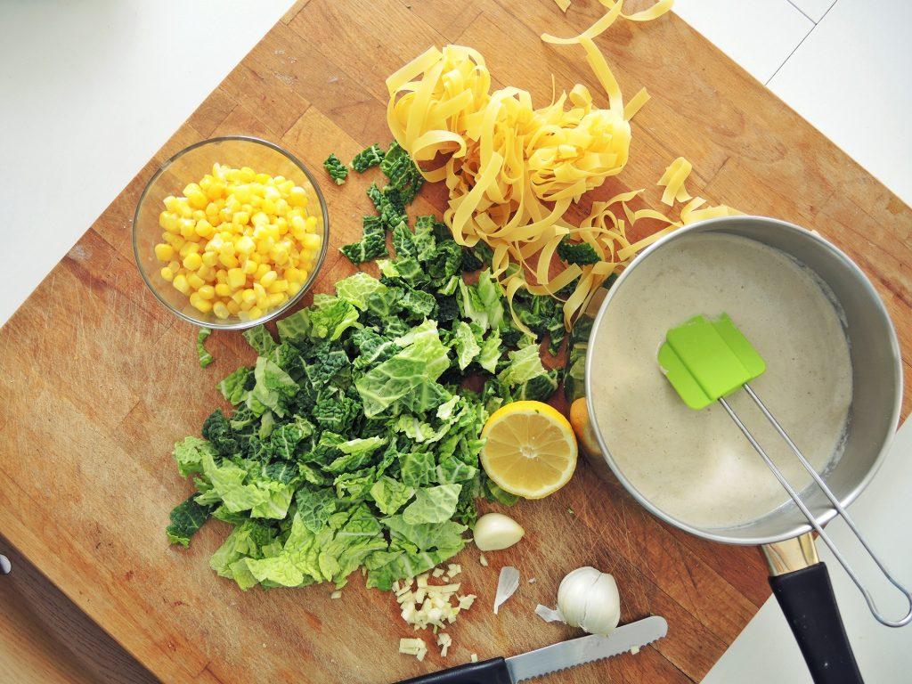 Veganska Alfredo pasta